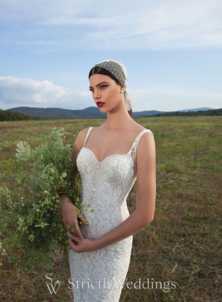 A Glamorous Entrance | Berta Bridal 2015 Couture Gowns | Strictly ...