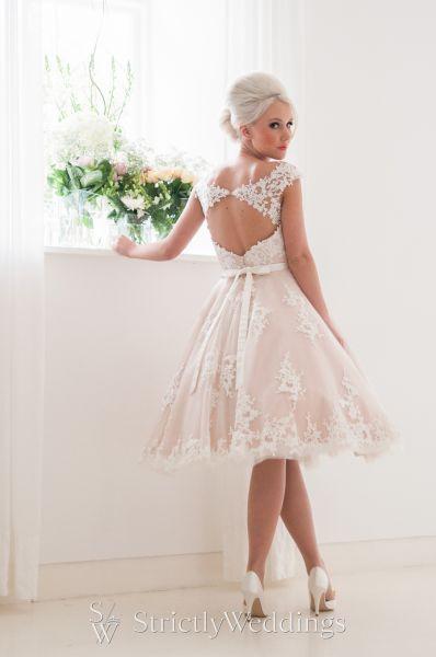 2016 bespoke wedding dress collection house of mooshki for Vegas style wedding dresses