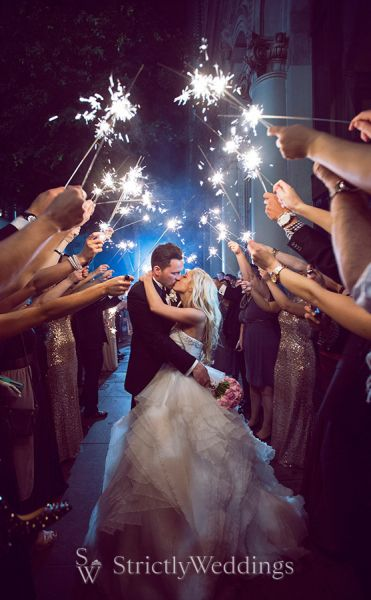 Shakespeare Wedding Day Evokes Passion and Love