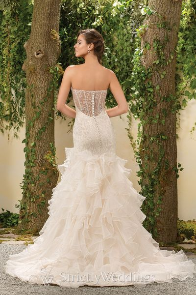 Jasmine Bridal 2016: A Classic and Modern Touch | Strictly Weddings