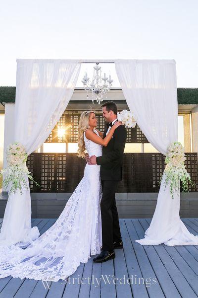 elegant destination wedding in miami strictly weddings. Black Bedroom Furniture Sets. Home Design Ideas
