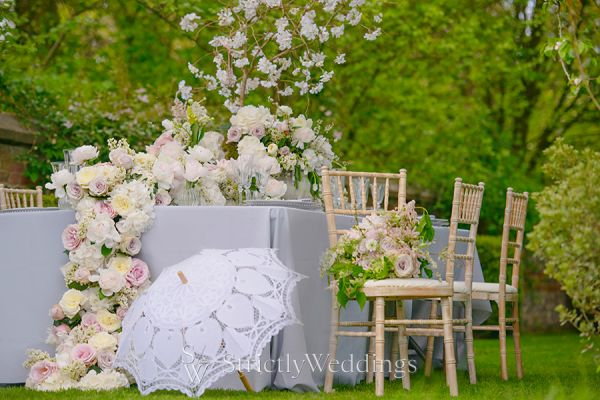 Soft Colors Reign in 2016 Wedding Season
