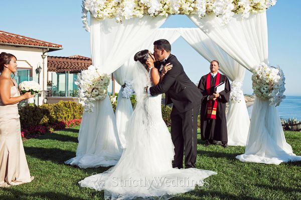 Elegant Outdoor Wedding in California