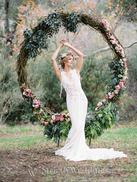 Spring wedding ideas with a touch of bohemian style strictly weddings spring wedding ideas with a touch of bohemian style junglespirit Image collections