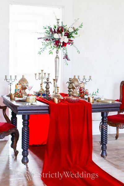 Red Elegance of Russian Themed Wedding Ideas