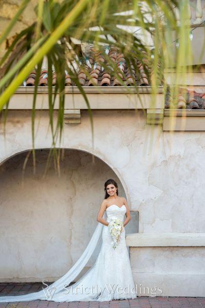 White & Gold Texas Wedding