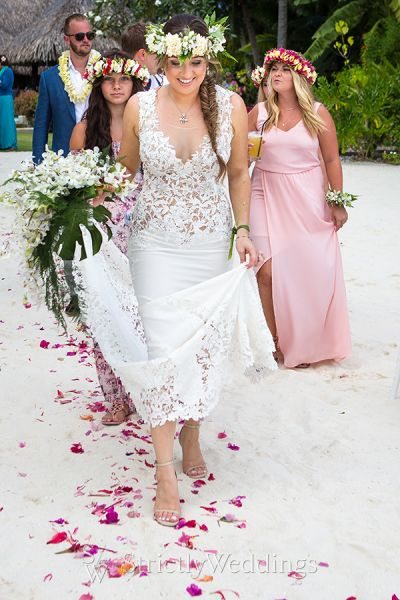 Bora bora destination wedding strictly weddings bora bora destination wedding junglespirit Choice Image
