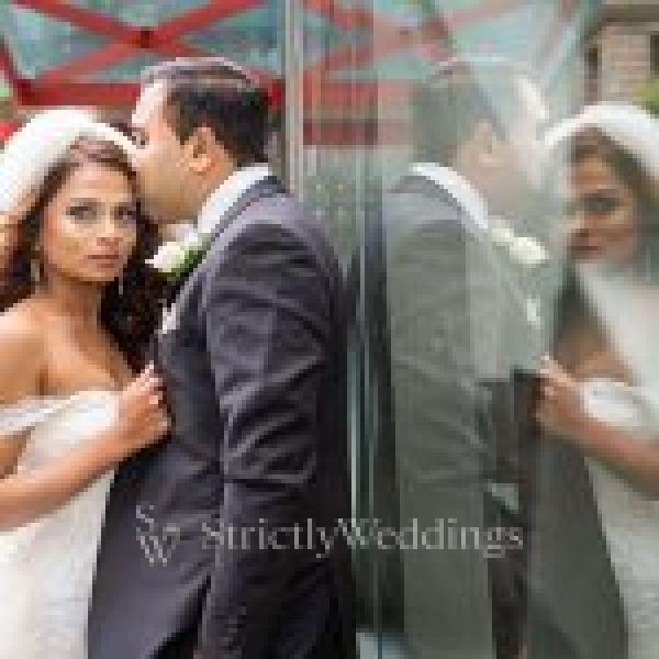 Elegant Melbourne Wedding at the Iconic Regent Theatre | Strictly Weddings