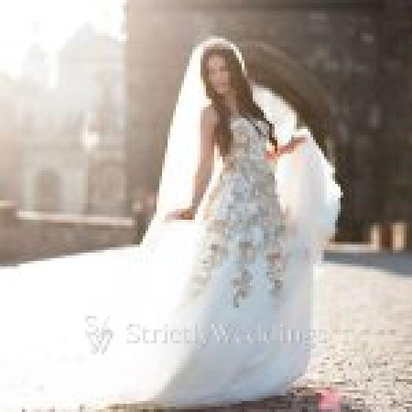 Kelly Faetanini Designs Exude Old World Romance | Strictly Weddings