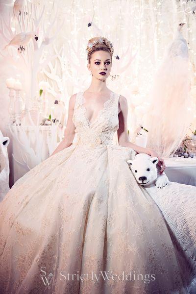 Festive Holiday Wedding Inspiration