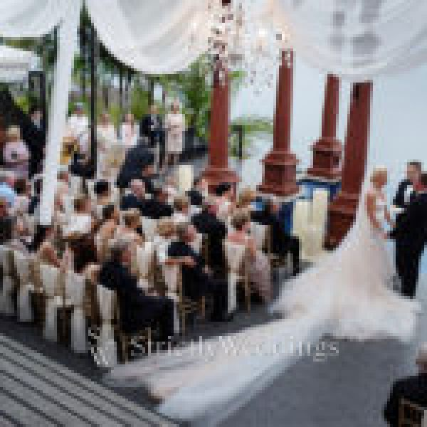 Glamorous Costa Rica Wedding Day | Strictly Weddings