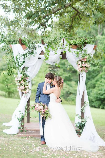 Southern Wedding Style in Shades of Pastel